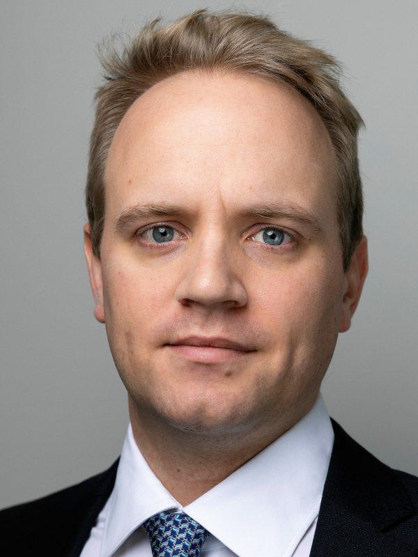 Max-Alexander Borreck, Oliver Wyman